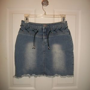 Vintage short jean shirt with frayed hem size 3